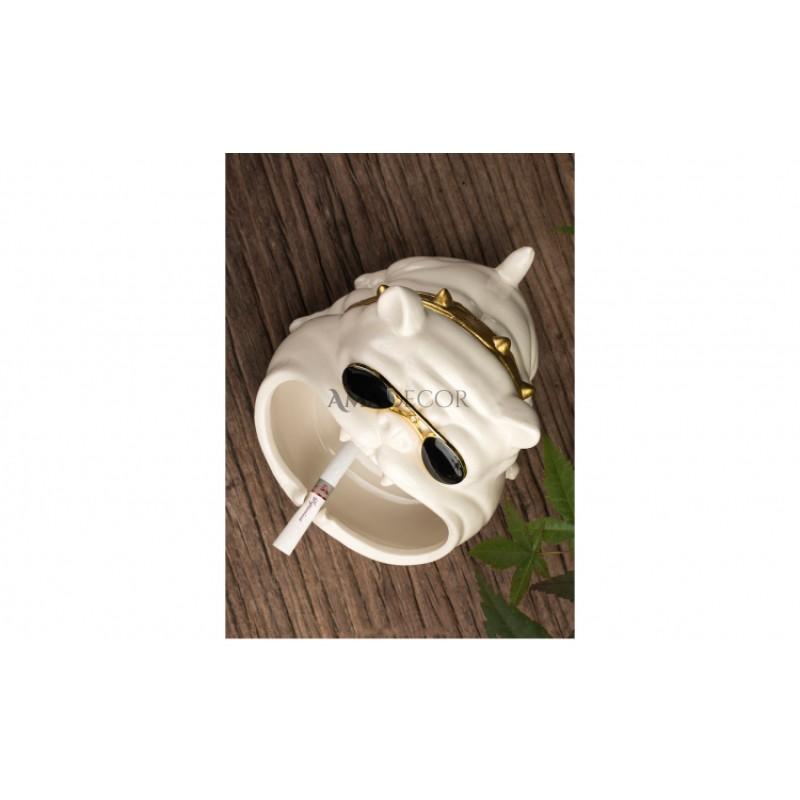 Scrumiera catel din ceramica